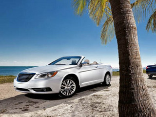 2011-chrysler-200-convertible-front-angle-view.jpg